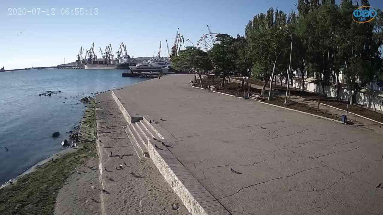 Веб-камеры Феодосии, Набережная Десантников, 2020-07-12 06:55:26