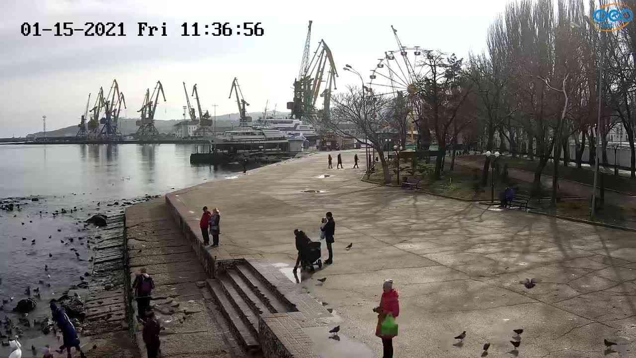 Веб-камеры Феодосии, Набережная Десантников, 2021-01-15 11:37:06