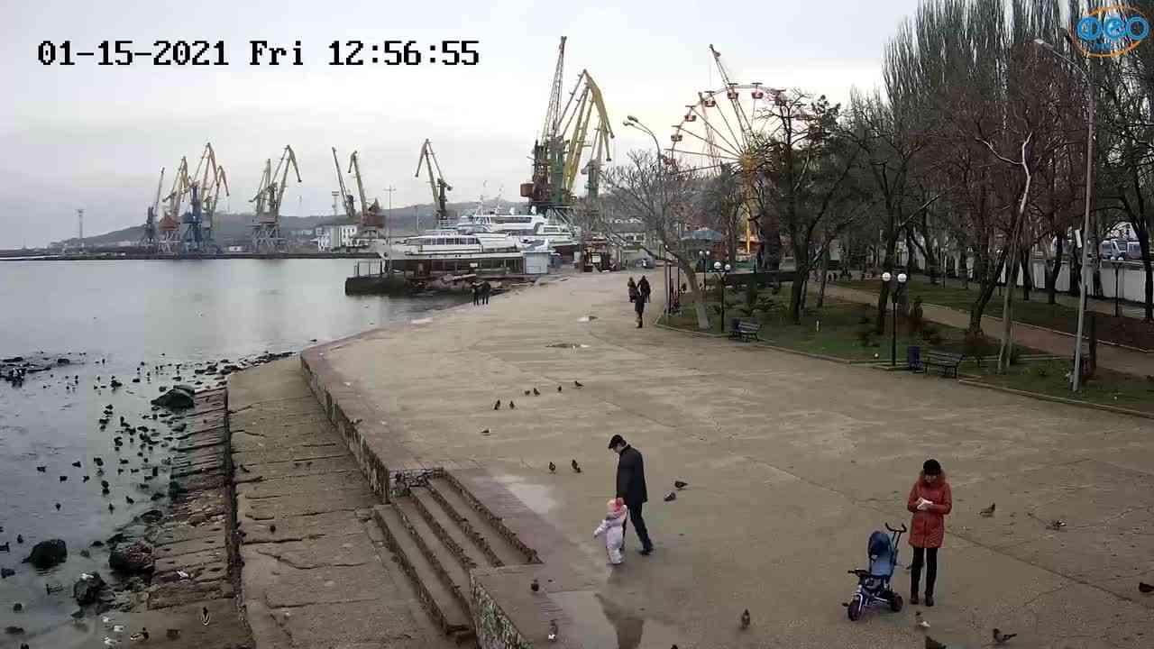 Веб-камеры Феодосии, Набережная Десантников, 2021-01-15 12:57:06