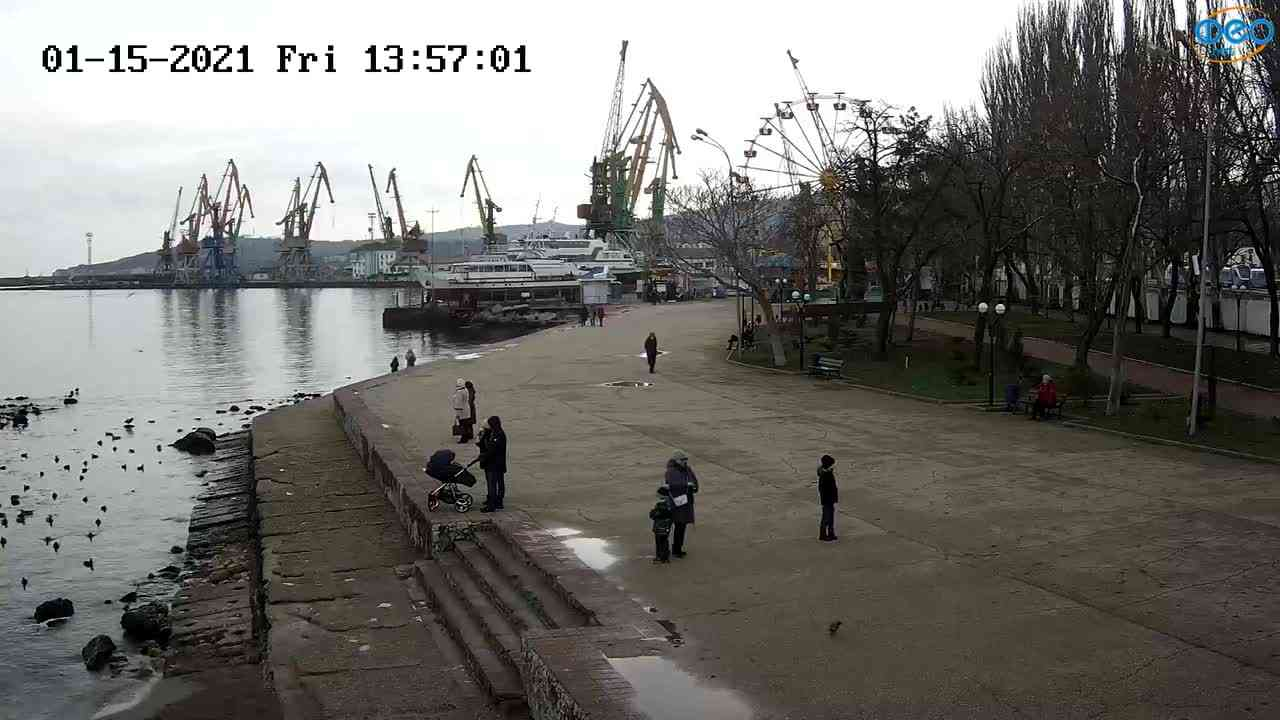 Веб-камеры Феодосии, Набережная Десантников, 2021-01-15 13:57:13