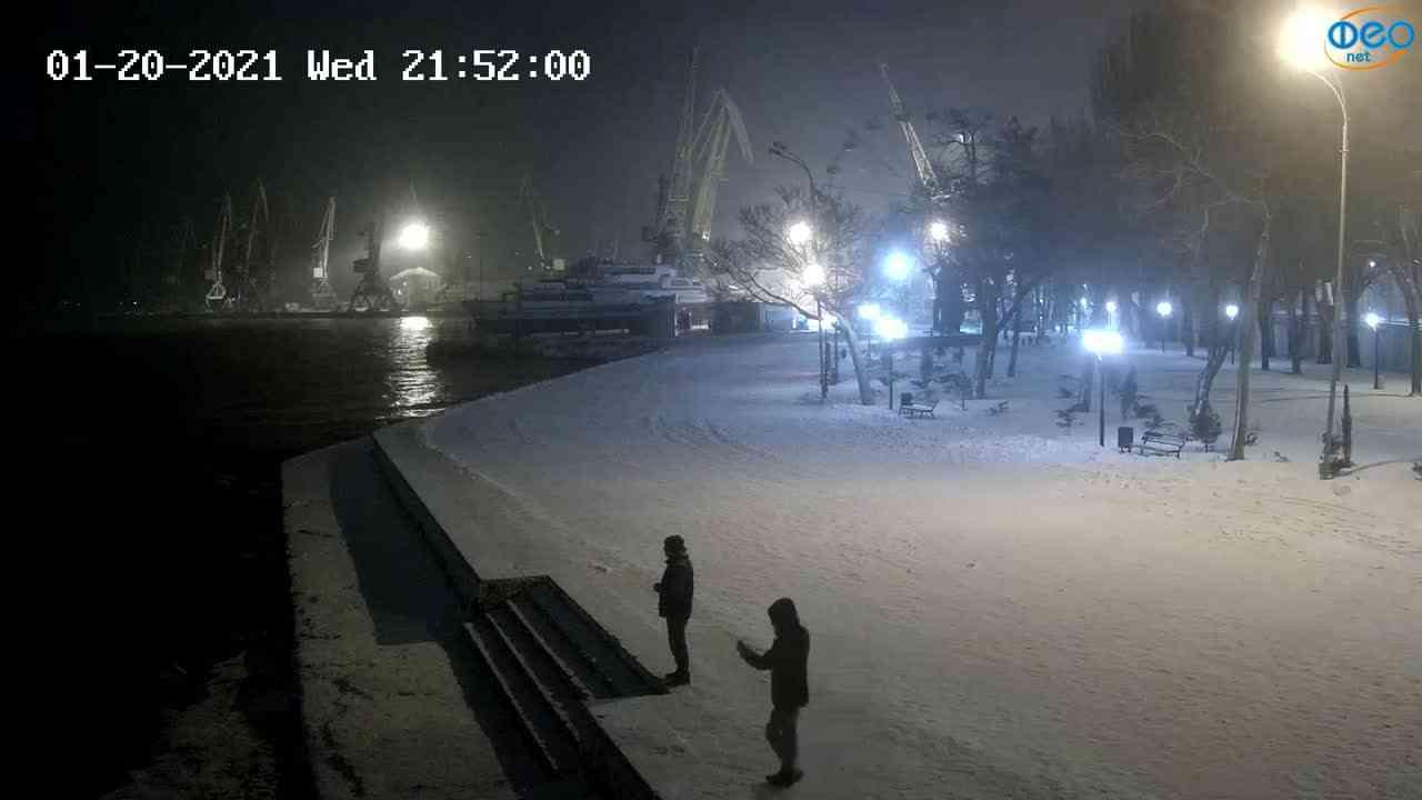 Веб-камеры Феодосии, Набережная Десантников, 2021-01-20 21:52:12