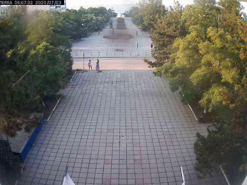 Веб-камеры Феодосии, Вид на площадь Ленина, 2020-07-03 06:07:34