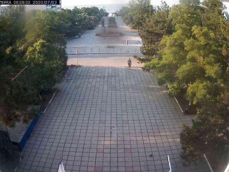 Веб-камеры Феодосии, Вид на площадь Ленина, 2020-07-03 06:28:34