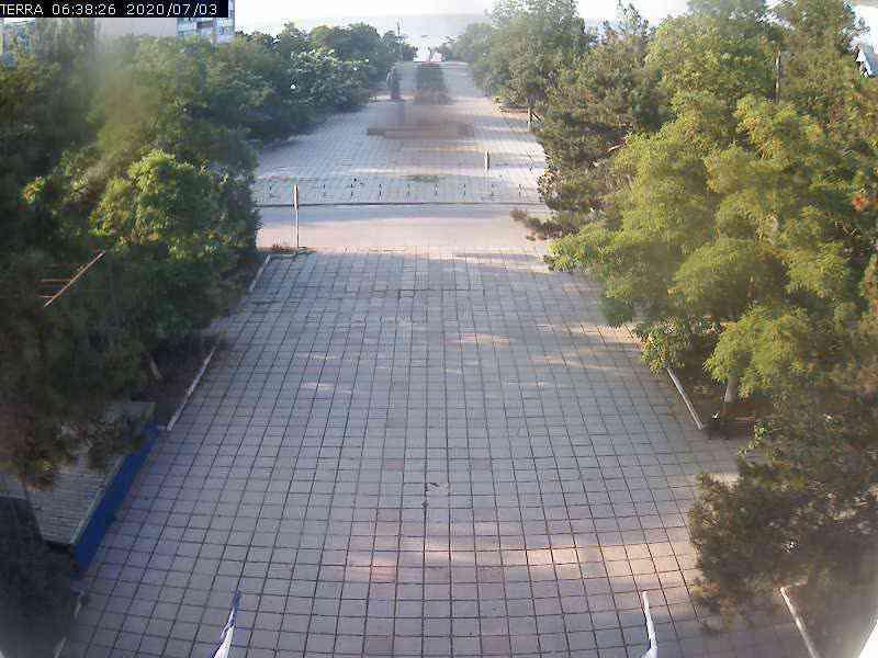 Веб-камеры Феодосии, Вид на площадь Ленина, 2020-07-03 06:38:28