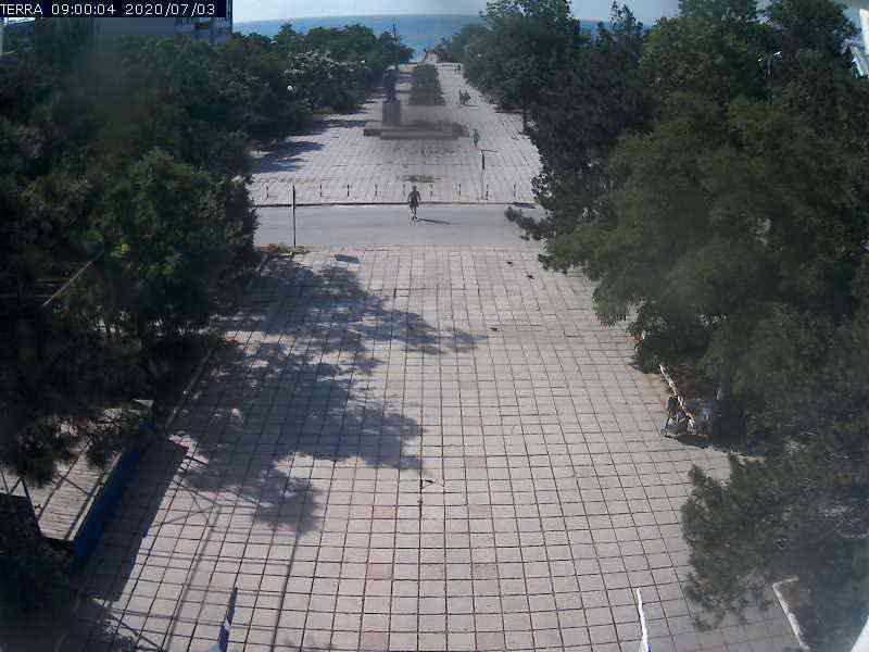 Веб-камеры Феодосии, Вид на площадь Ленина, 2020-07-03 09:00:05