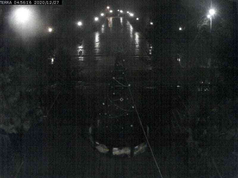 Веб-камеры Феодосии, Вид на площадь Ленина, 2020-12-27 04:56:18