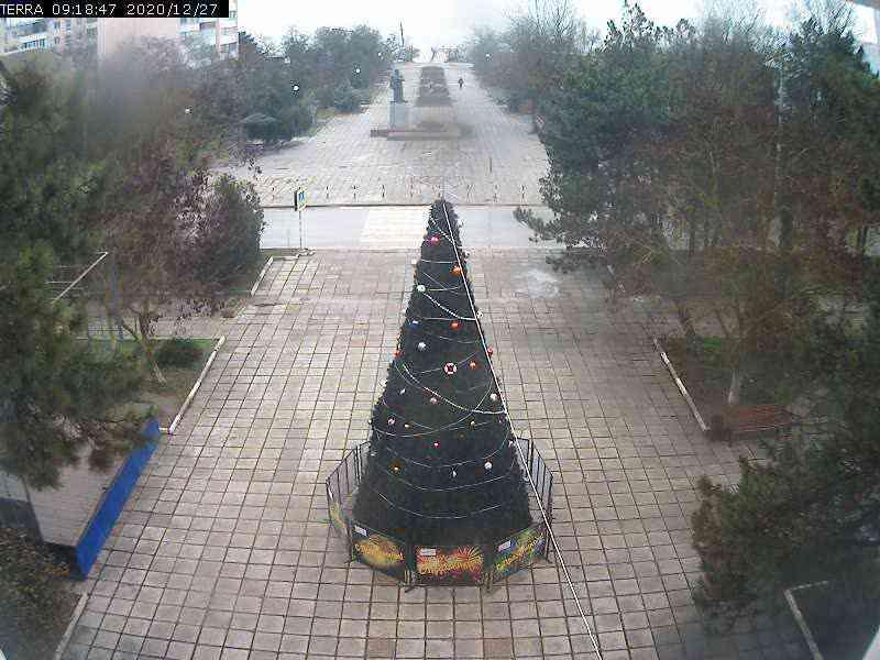 Веб-камеры Феодосии, Вид на площадь Ленина, 2020-12-27 09:18:49