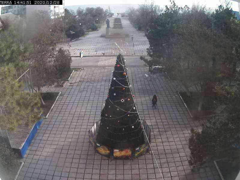 Веб-камеры Феодосии, Вид на площадь Ленина, 2020-12-28 14:41:53