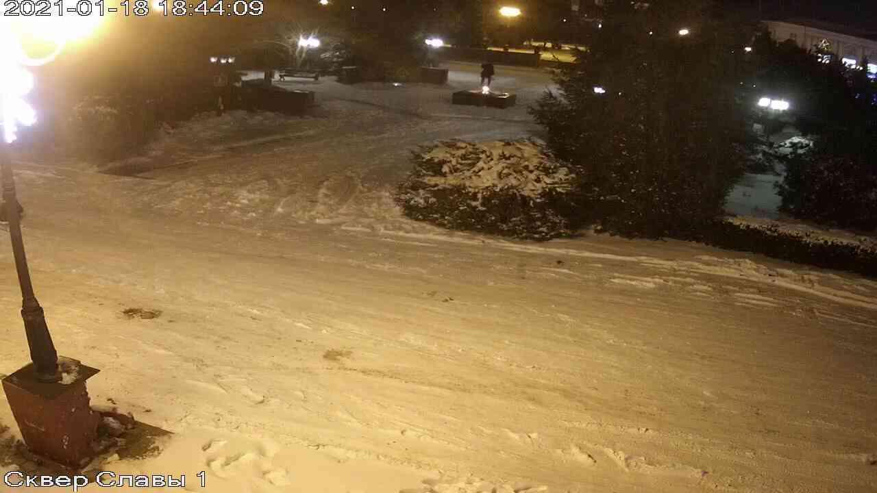 Веб-камеры Керчи, Сквер Славы, 2021-01-18 18:44:10