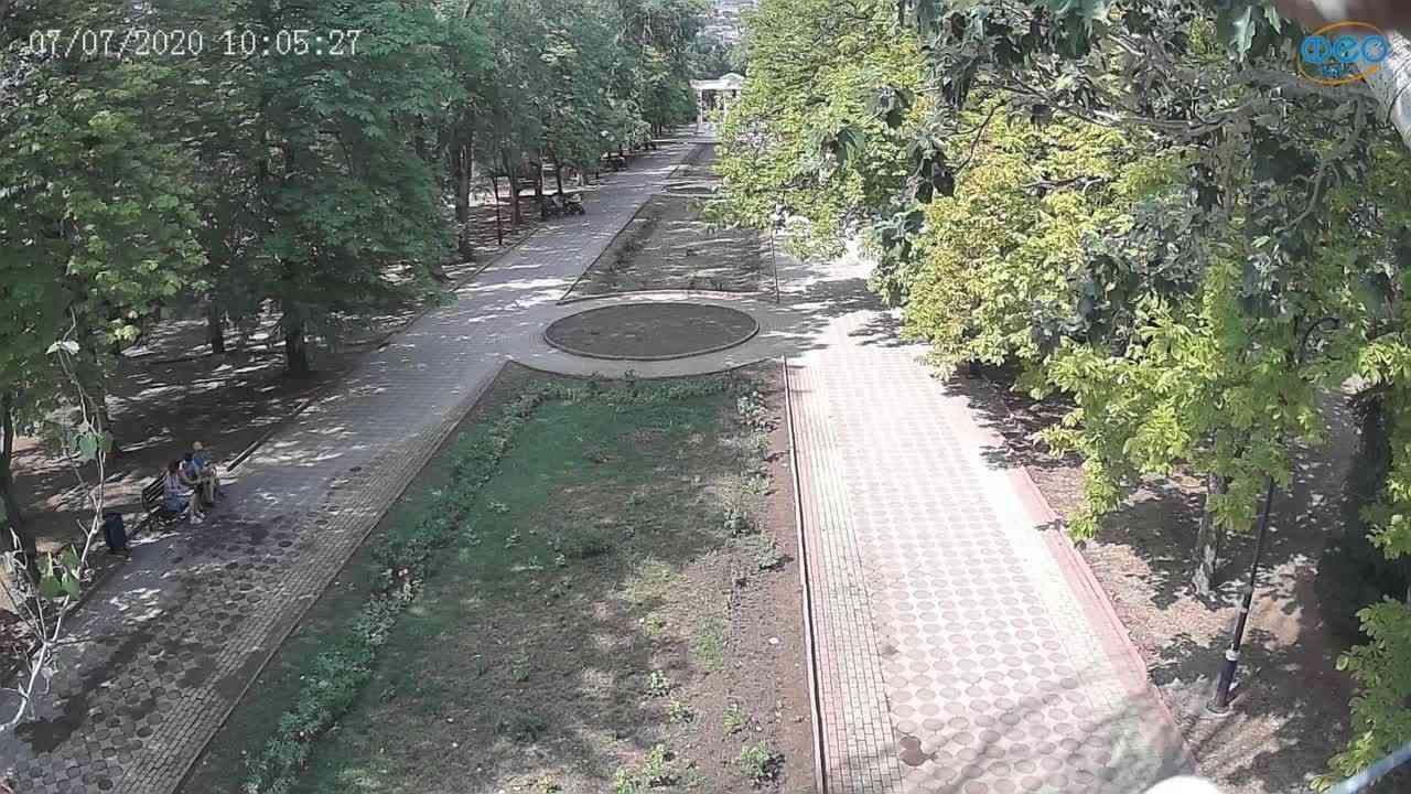 Веб-камеры Феодосии, Памятник Доброму Гению, 2020-07-07 10:05:40