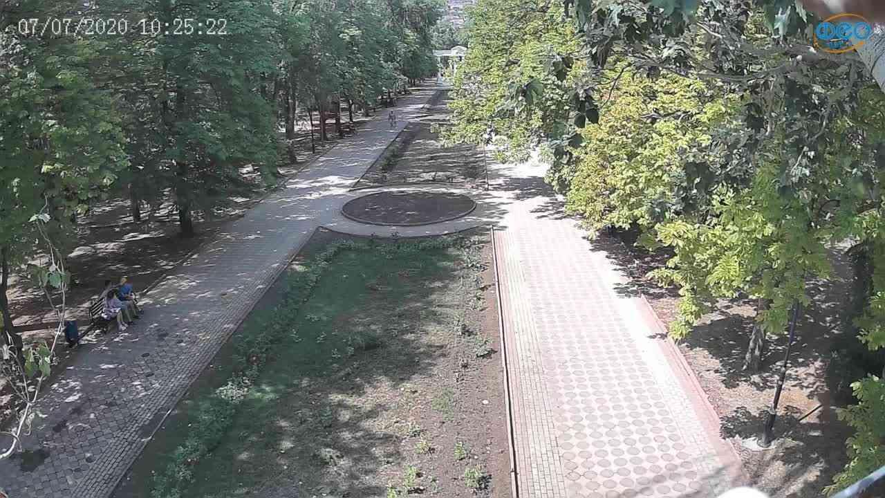 Веб-камеры Феодосии, Памятник Доброму Гению, 2020-07-07 10:25:36