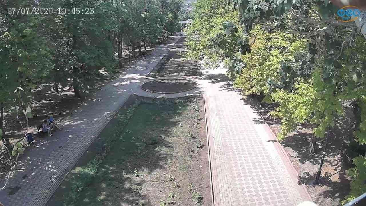 Веб-камеры Феодосии, Памятник Доброму Гению, 2020-07-07 10:45:35