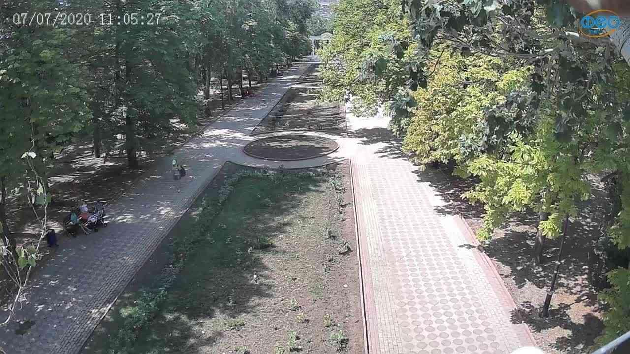 Веб-камеры Феодосии, Памятник Доброму Гению, 2020-07-07 11:05:39