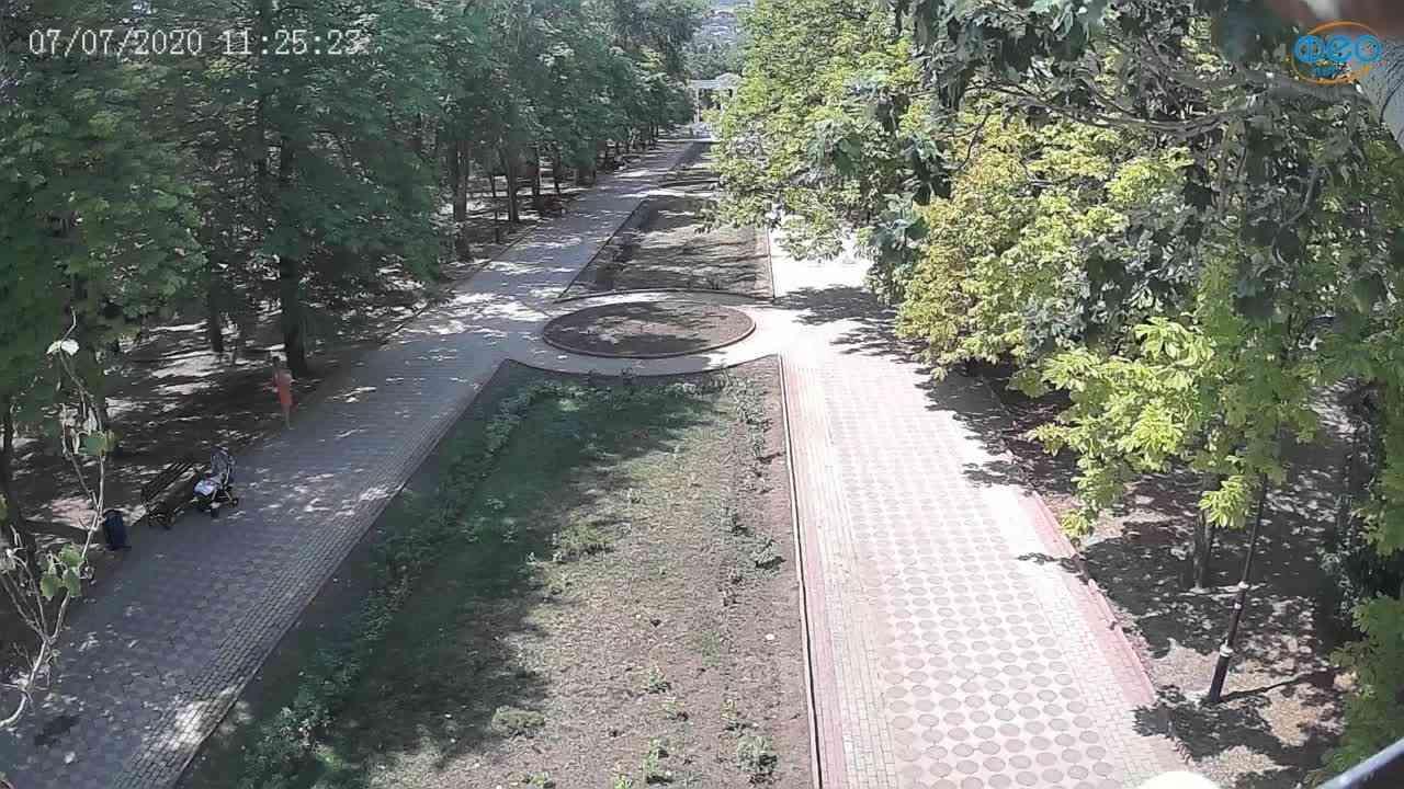 Веб-камеры Феодосии, Памятник Доброму Гению, 2020-07-07 11:25:36