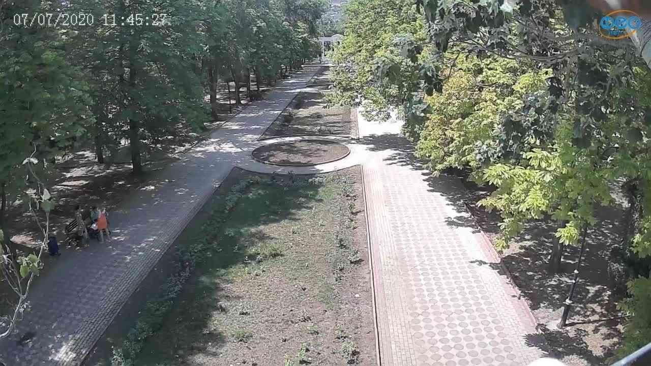 Веб-камеры Феодосии, Памятник Доброму Гению, 2020-07-07 11:45:37