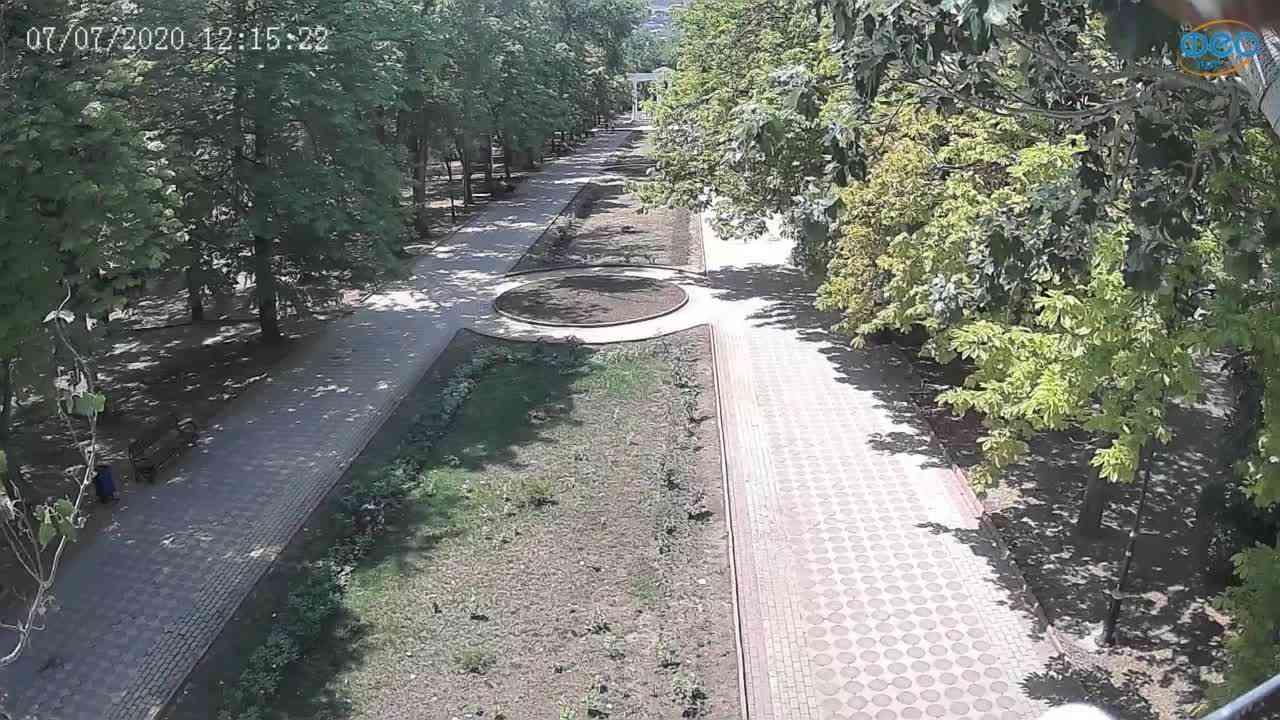Веб-камеры Феодосии, Памятник Доброму Гению, 2020-07-07 12:15:36
