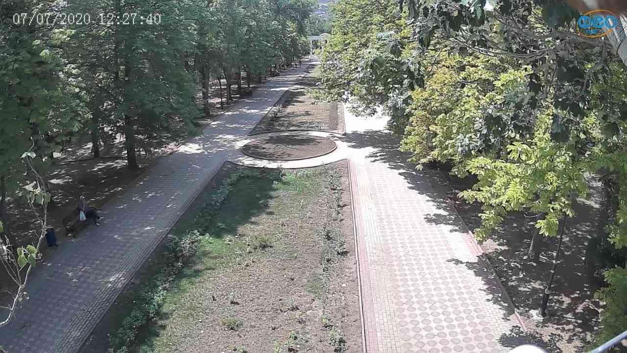 Веб-камеры Феодосии, Памятник Доброму Гению, 2020-07-07 12:27:52