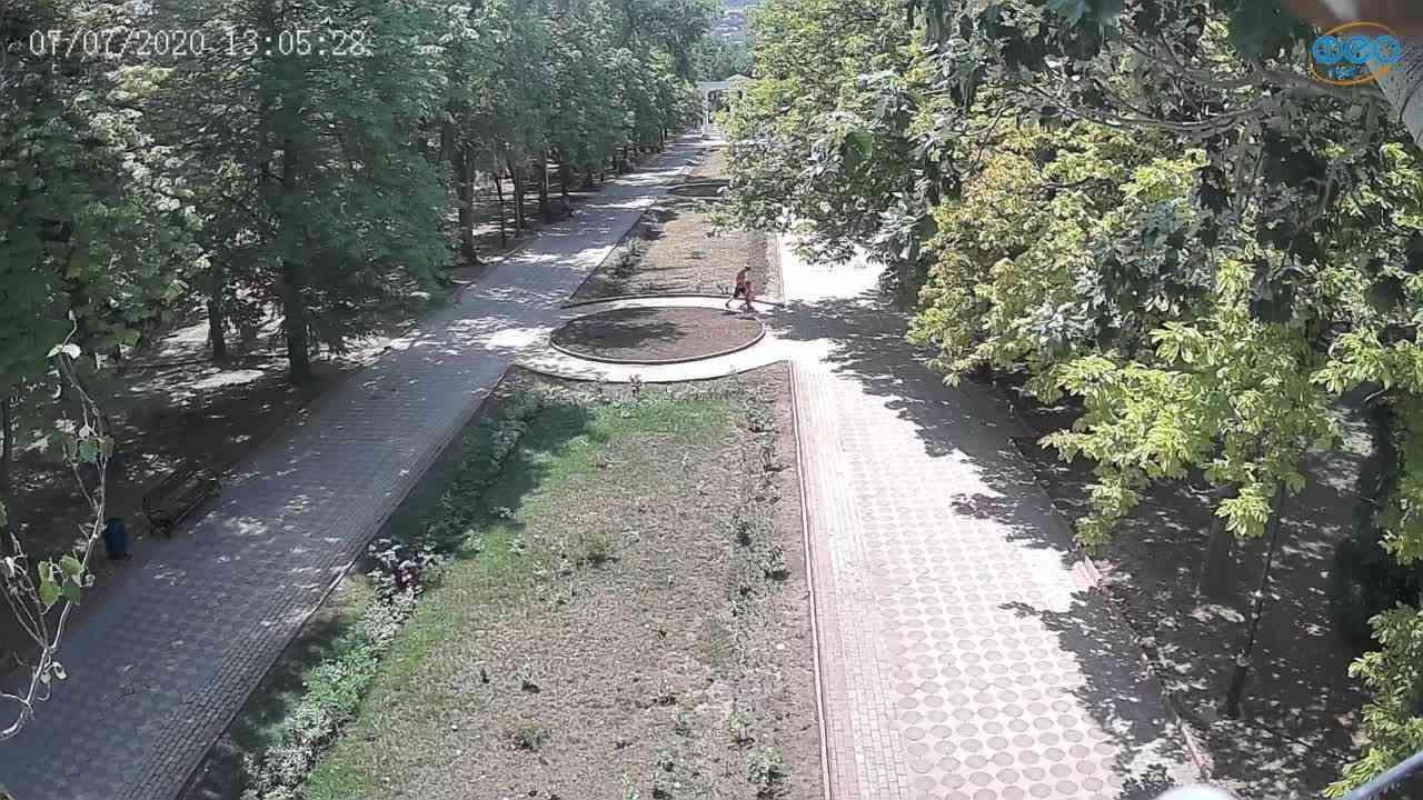 Веб-камеры Феодосии, Памятник Доброму Гению, 2020-07-07 13:05:40