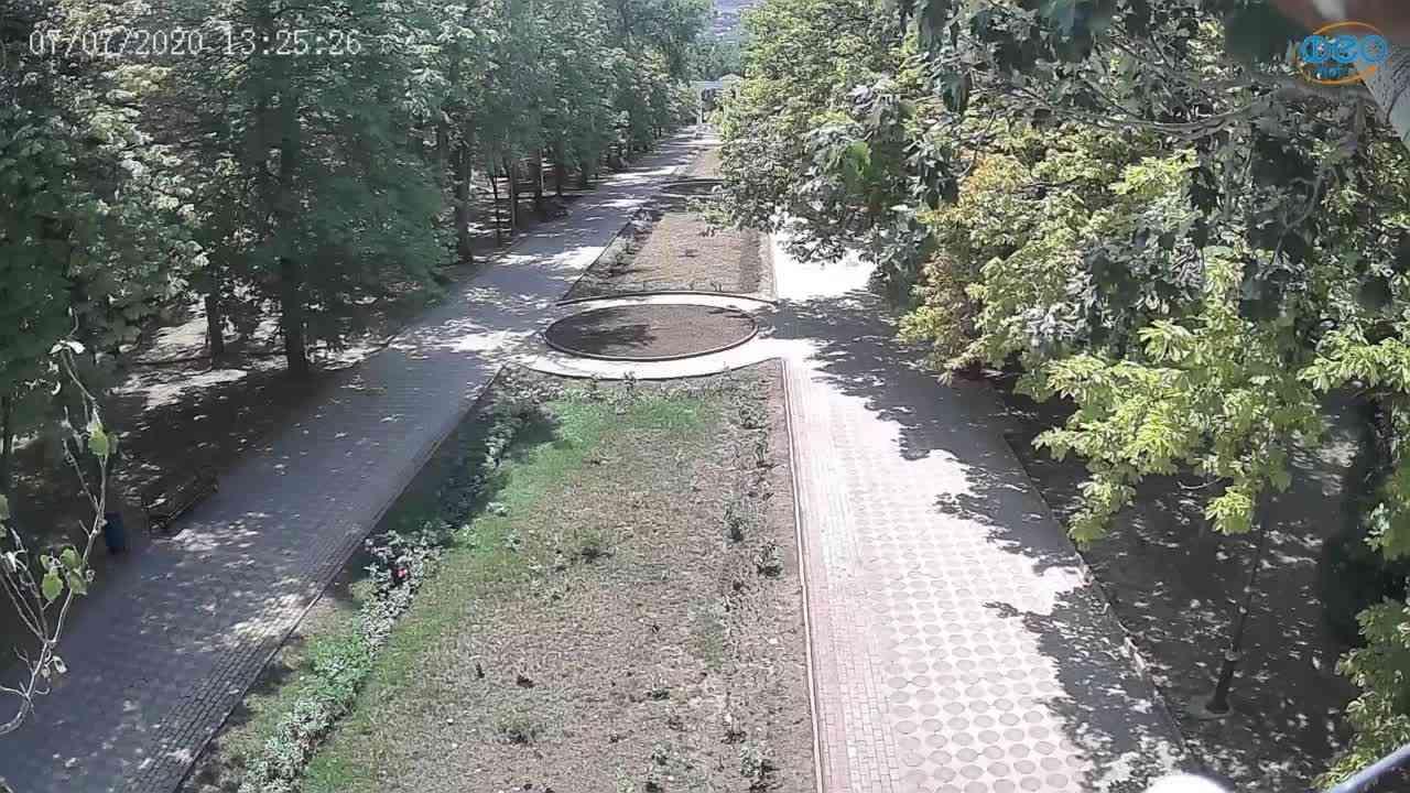 Веб-камеры Феодосии, Памятник Доброму Гению, 2020-07-07 13:25:36