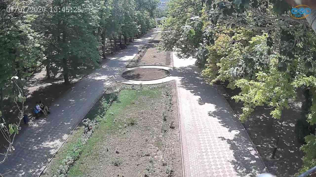 Веб-камеры Феодосии, Памятник Доброму Гению, 2020-07-07 13:45:36