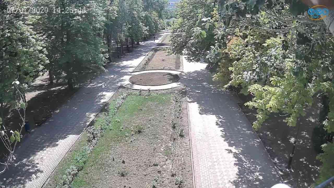 Веб-камеры Феодосии, Памятник Доброму Гению, 2020-07-07 14:25:52