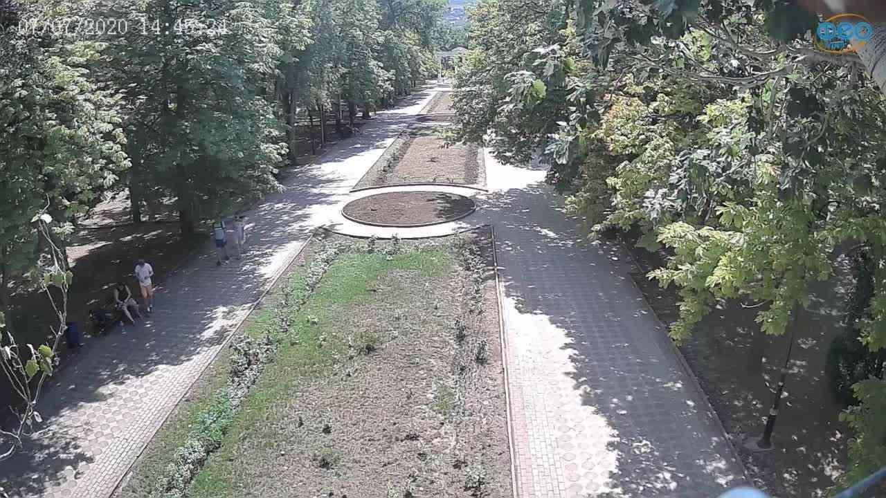 Веб-камеры Феодосии, Памятник Доброму Гению, 2020-07-07 14:45:36