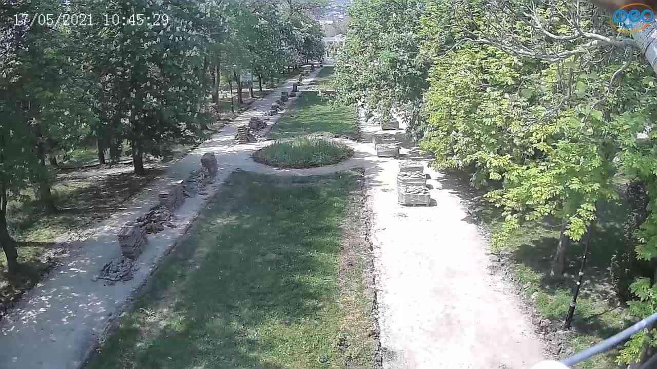 Веб-камеры Феодосии, Памятник Доброму Гению, 2021-05-17 10:45:06