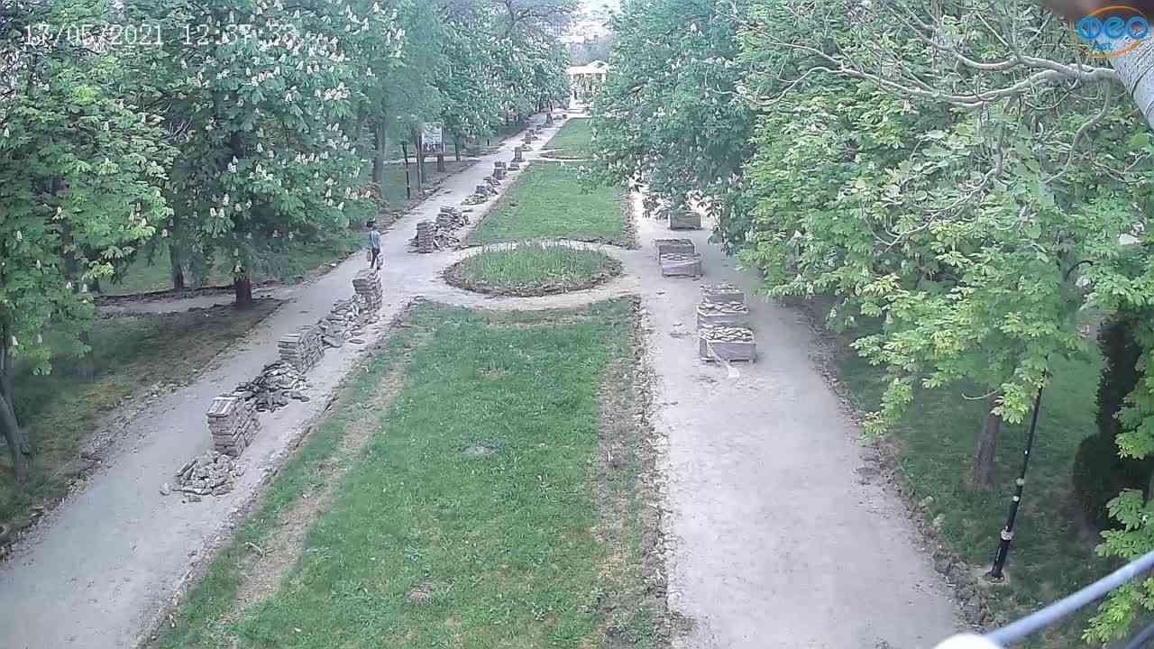 Веб-камеры Феодосии, Памятник Доброму Гению, 2021-05-17 12:37:11
