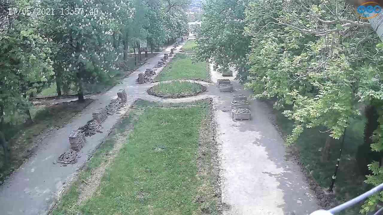 Веб-камеры Феодосии, Памятник Доброму Гению, 2021-05-17 13:57:11
