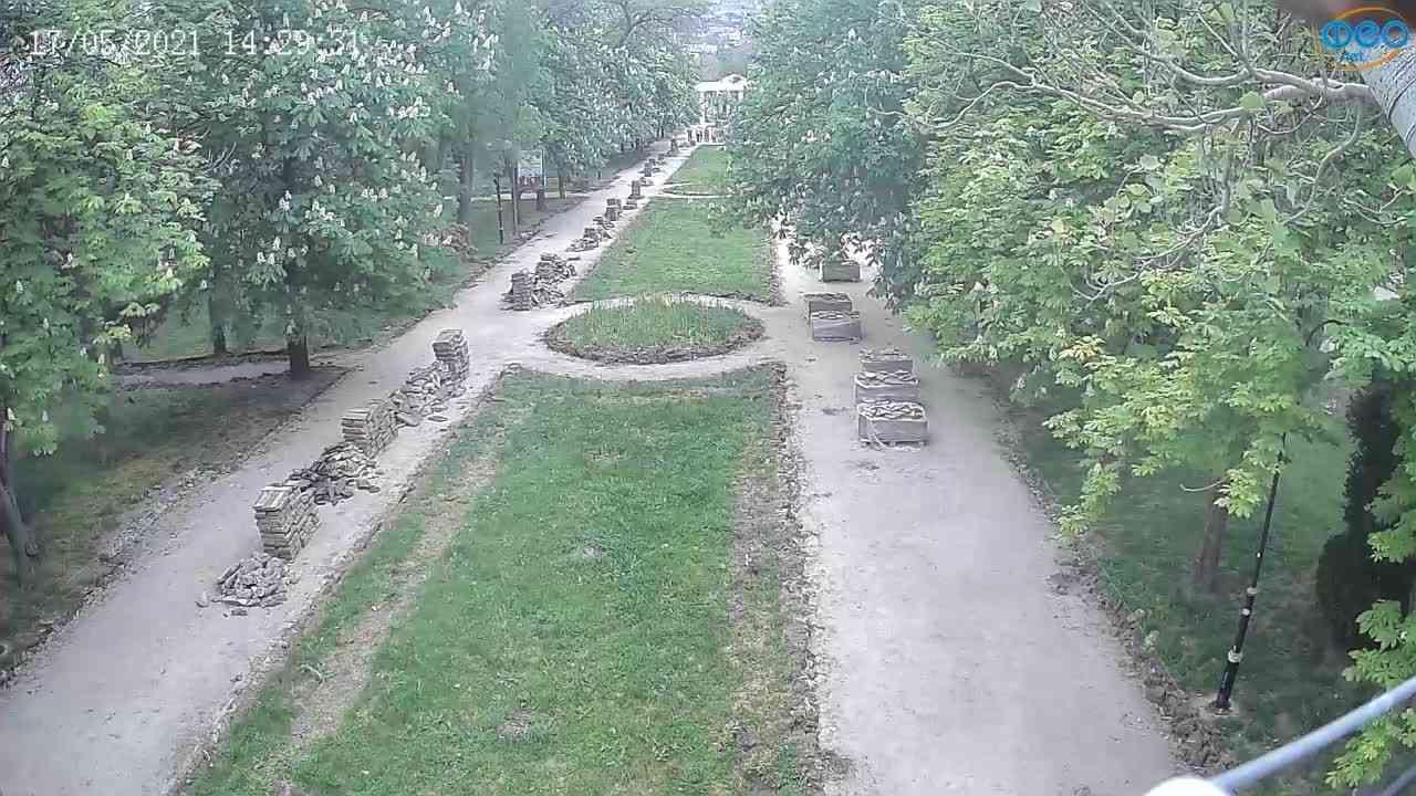 Веб-камеры Феодосии, Памятник Доброму Гению, 2021-05-17 14:29:08