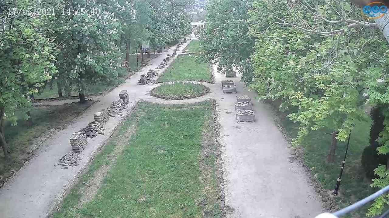 Веб-камеры Феодосии, Памятник Доброму Гению, 2021-05-17 14:45:14
