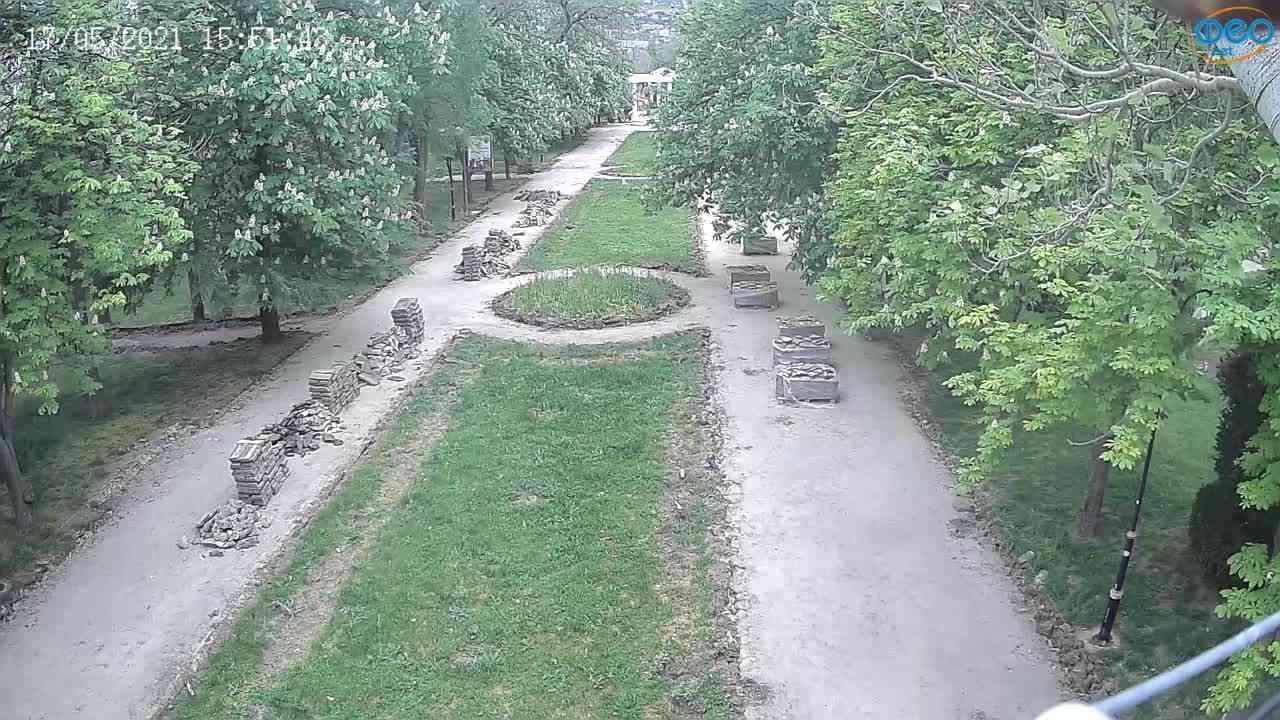 Веб-камеры Феодосии, Памятник Доброму Гению, 2021-05-17 15:51:12