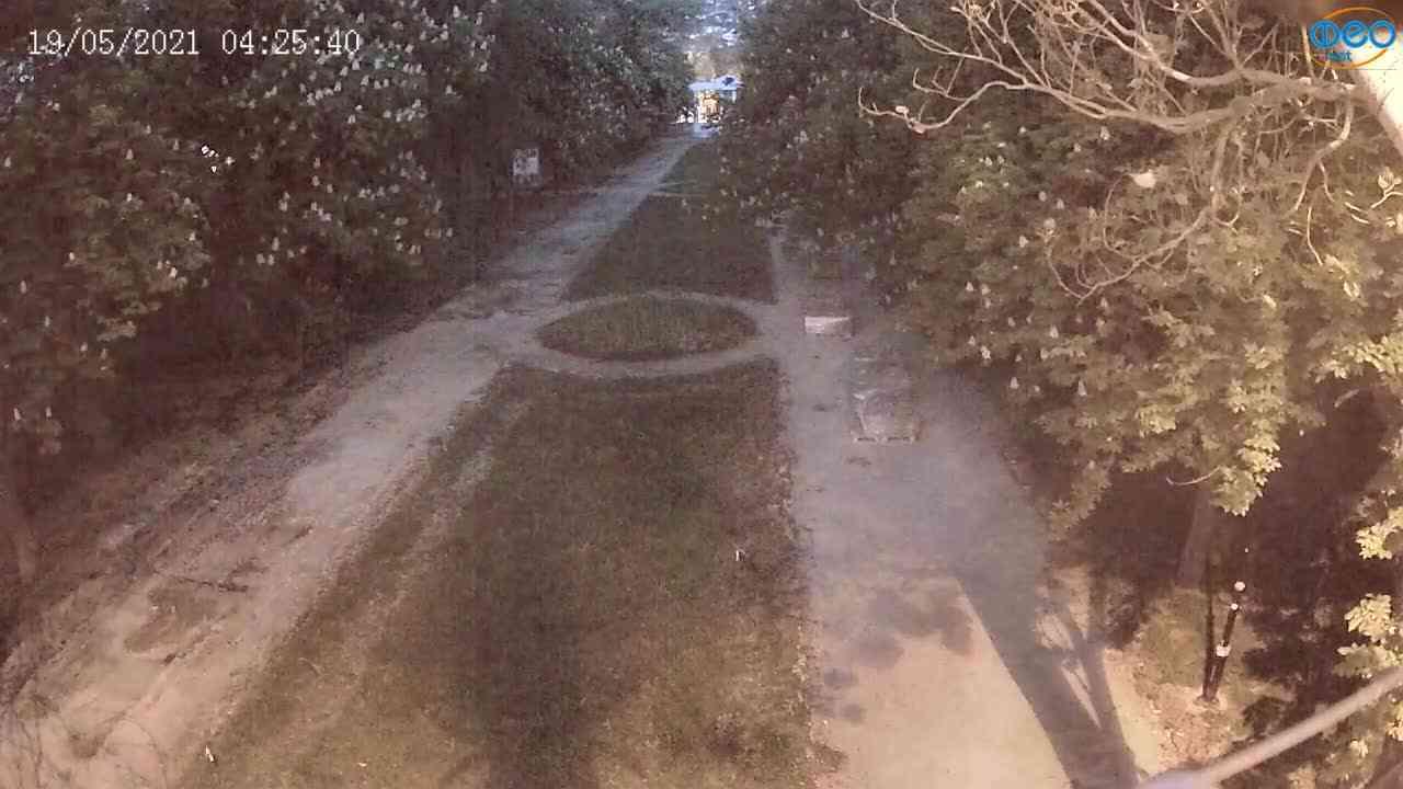 Веб-камеры Феодосии, Памятник Доброму Гению, 2021-05-19 04:25:16