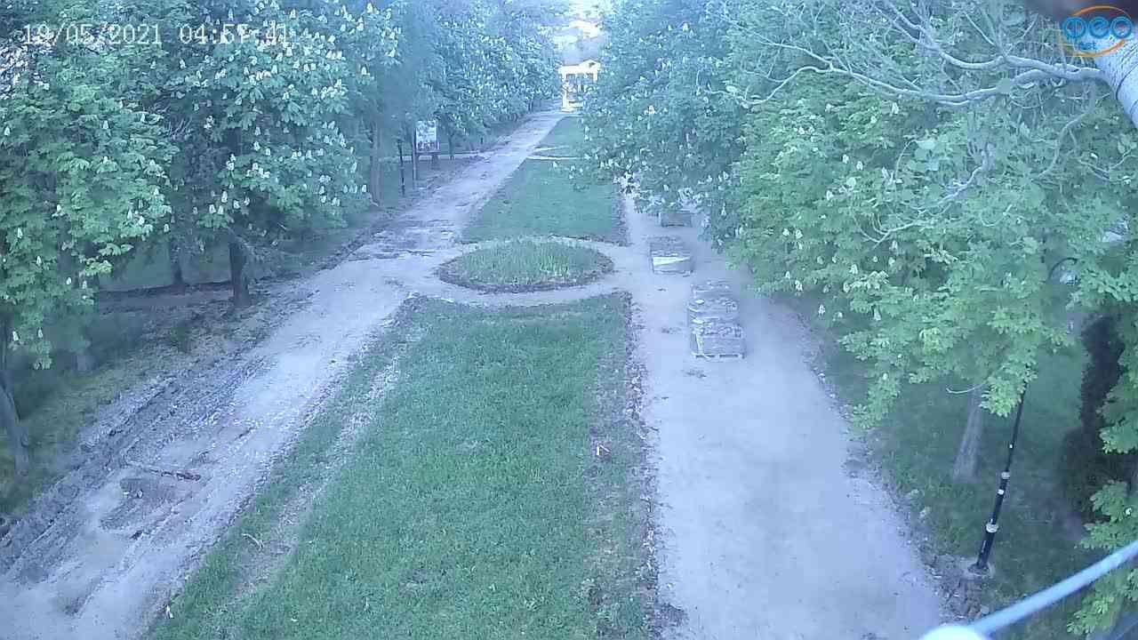 Веб-камеры Феодосии, Памятник Доброму Гению, 2021-05-19 04:57:15