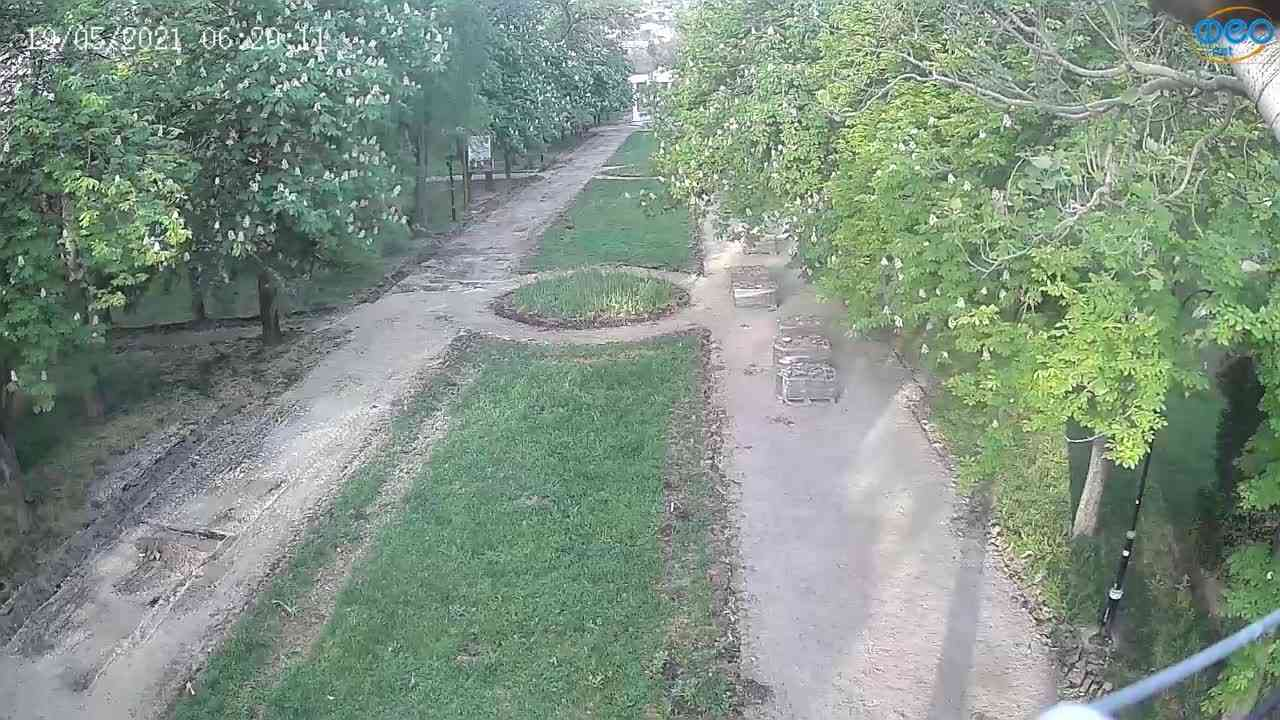 Веб-камеры Феодосии, Памятник Доброму Гению, 2021-05-19 06:19:43