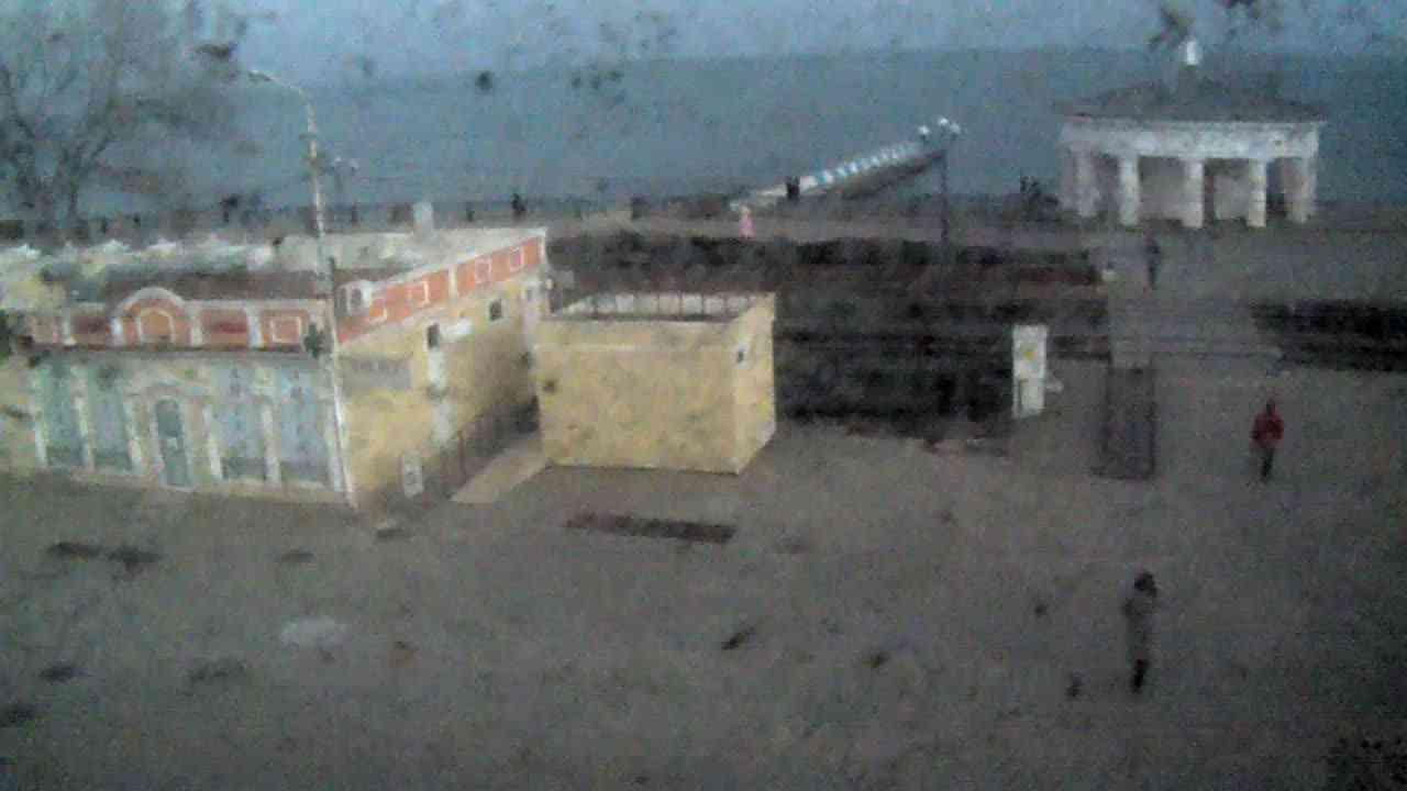 Веб-камеры Феодосии, Переезд и набережная, 2020-01-21 13:35:47