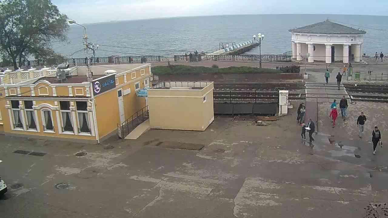 Веб-камеры Феодосии, Переезд и набережная, 2020-10-30 15:16:51